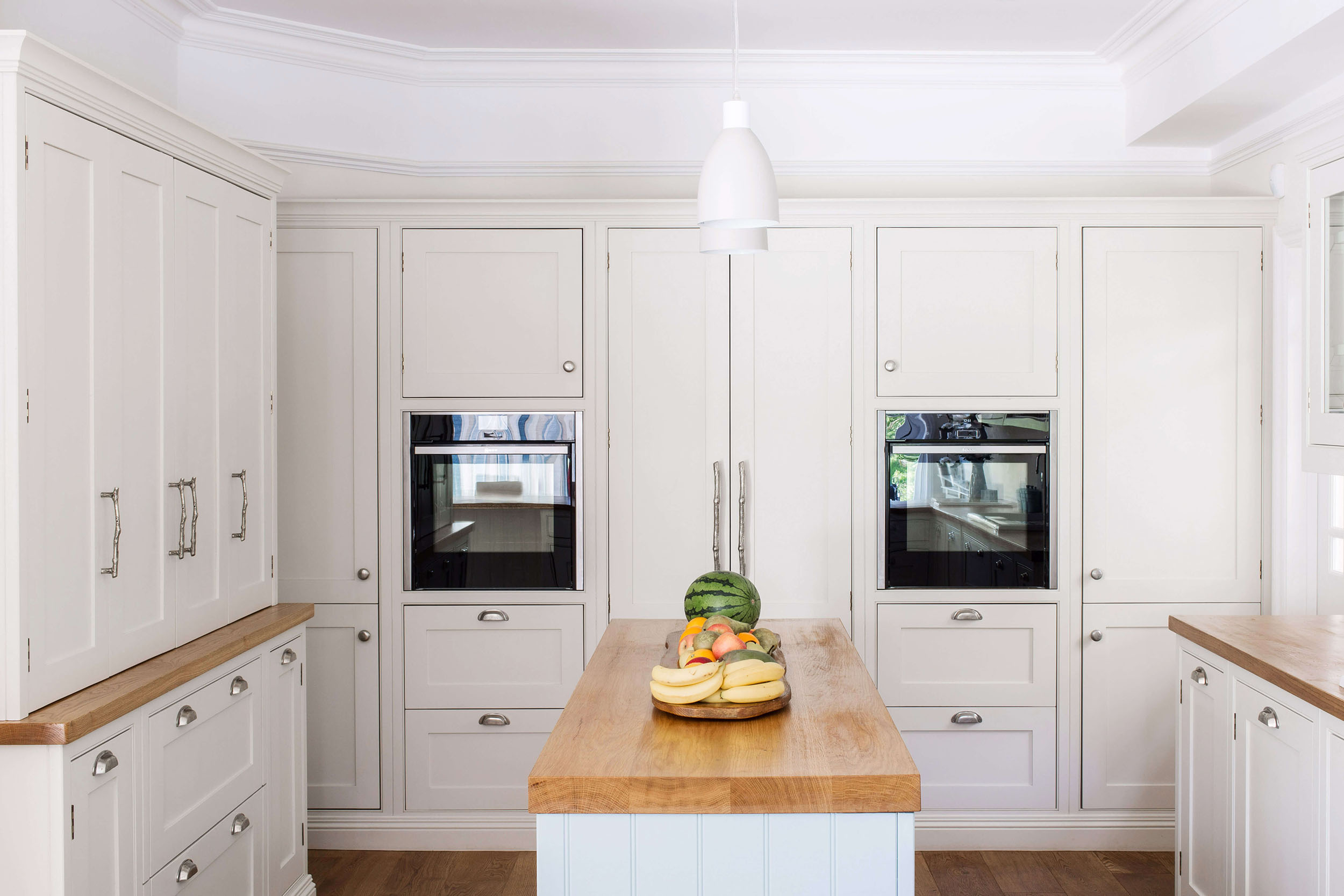 Floor to Ceiling Kitchen Cabinetry   Things To Consider   Burlanes ...