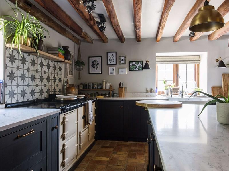 A Blend Of Urban Industrial Modern Rustic Kitchen Design Burlanes Blog