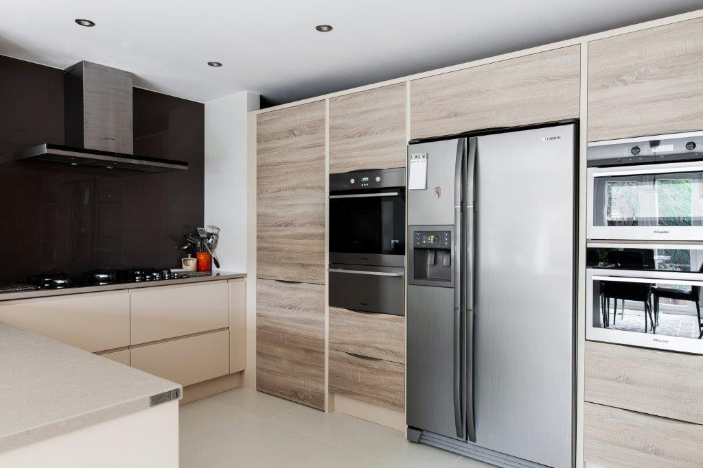 burlanes Mixing modern materials in kitchen design