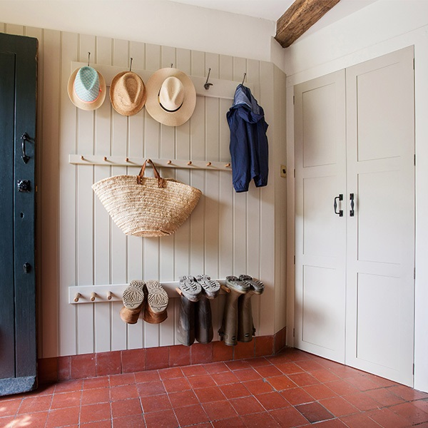A Kent oast house renovation: boot room