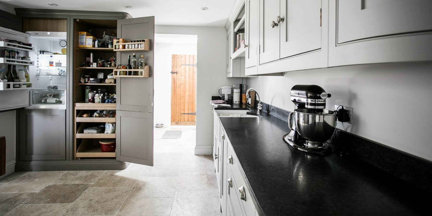 Burlanes create the perfect country cottage kitchen -