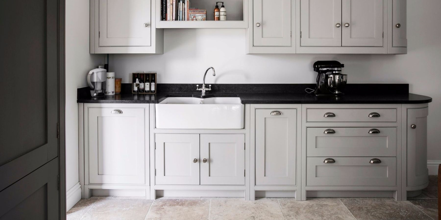 Freestanding Style Shaker Kitchen - Burlanes handmade freestanding style Wellsdown country kitchen.
