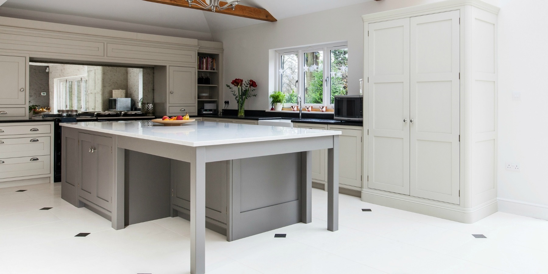 Organised functional and modern kitchen design for a new build Kitchen design of sevenoaks