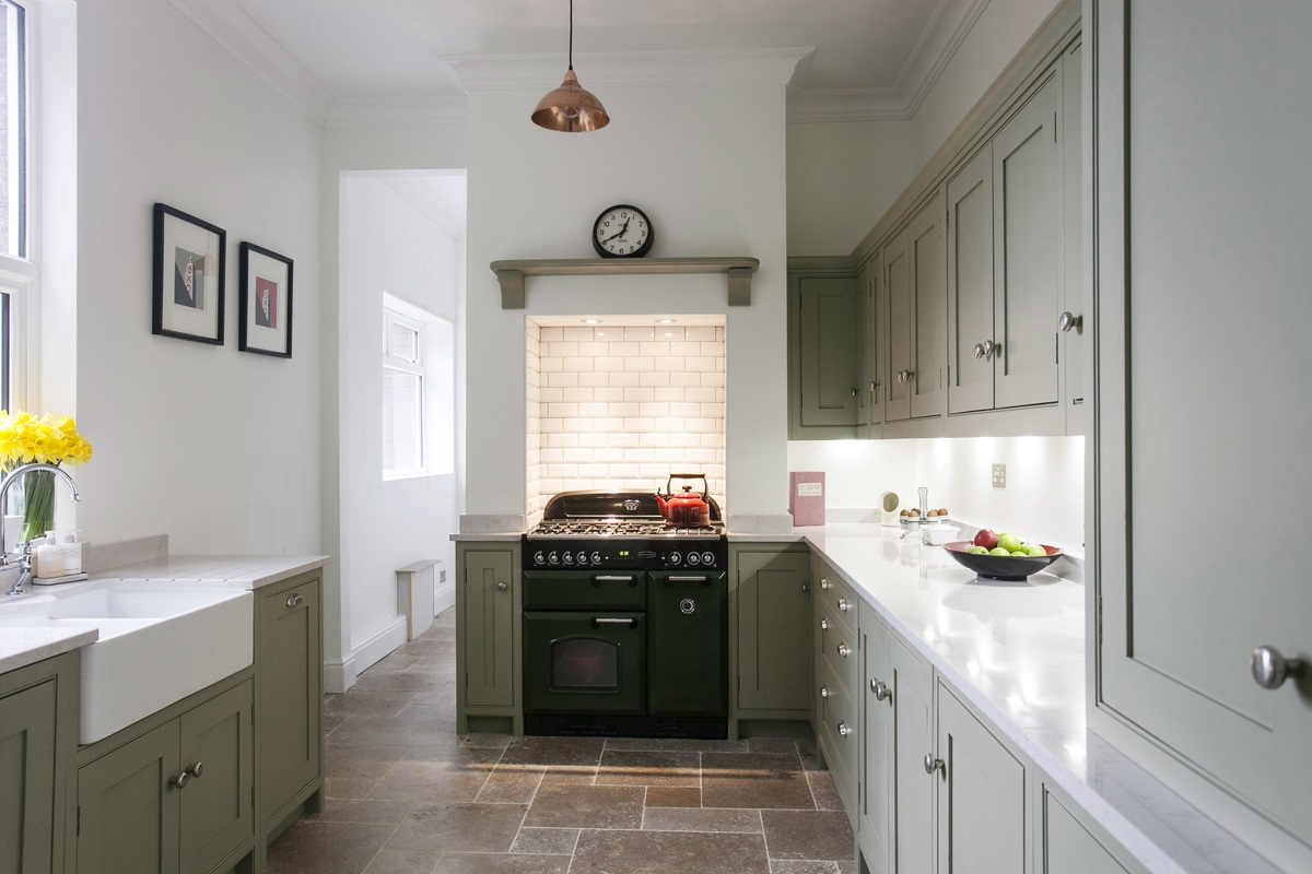 Burlanes Bespoke Wellsdown Kitchen - A bespoke, handmade contemporary galley kitchen.
