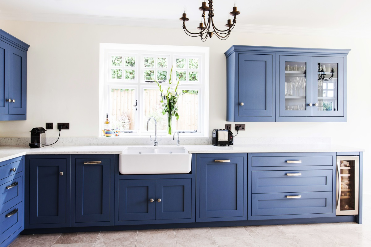 Burlanes Interiors - Coloured kitchen