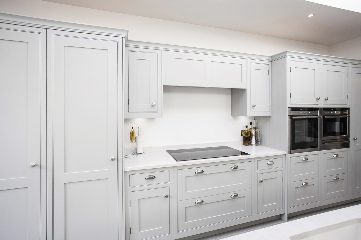 Burlanes Interiors - Contemporary White Kitchen