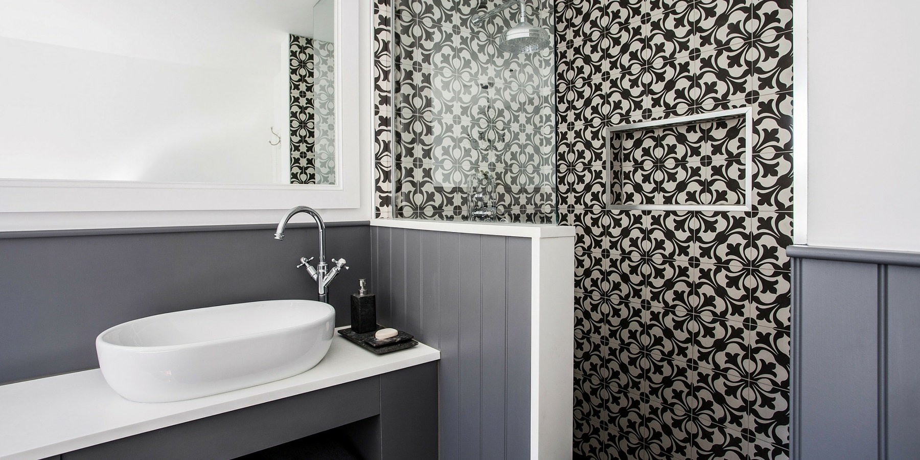 Burlanes Interiors - Contemporary family bathroom design