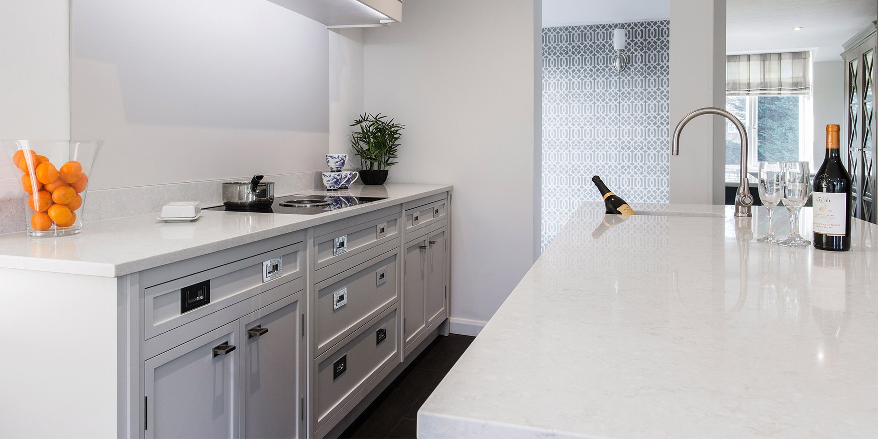Burlanes Interiors - Contemporary Shaker Kitchens: Decolane