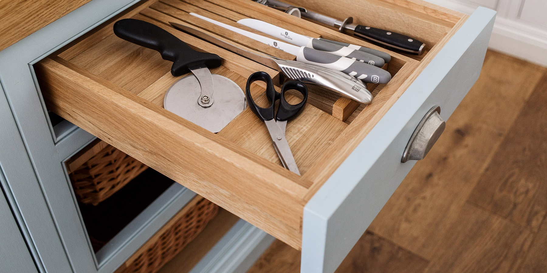 Burlanes Bespoke Cutlery Drawer - Handmade drawer boxes and oak cutlery drawer inserts.