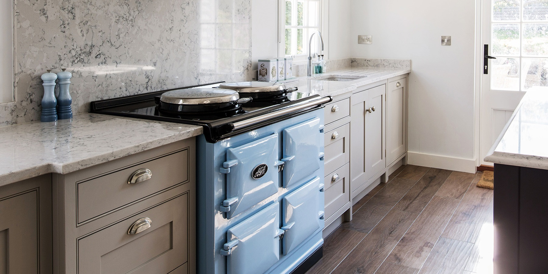 Country Cottage Style Shaker Kitchen With AGA - Bespoke Wellsdown kitchen furniture with classic AGA range in Blue.