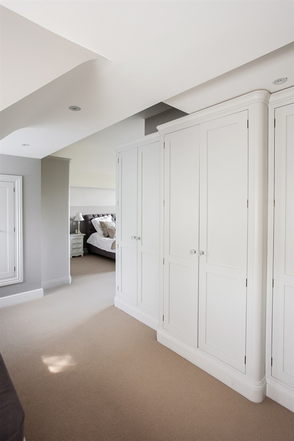 Bespoke Fitted Wardrobes - Burlanes handmade fitted wardrobes and storage solutions.