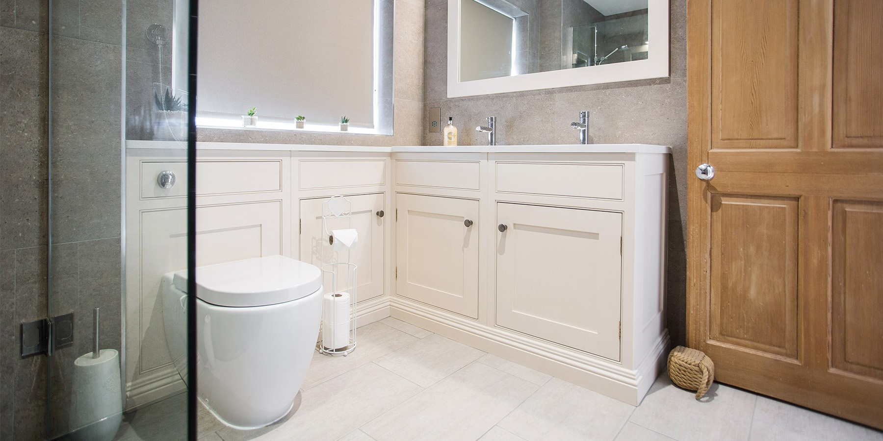 Bespoke Luxury En-Suite - Burlanes handmade en-suite bathroom furniture.