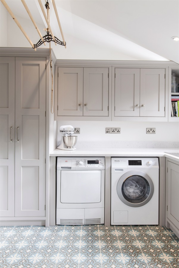 Burlanes Bespoke Utility Room & Laundry - Handmade grey utility room furniture and storage solutions.
