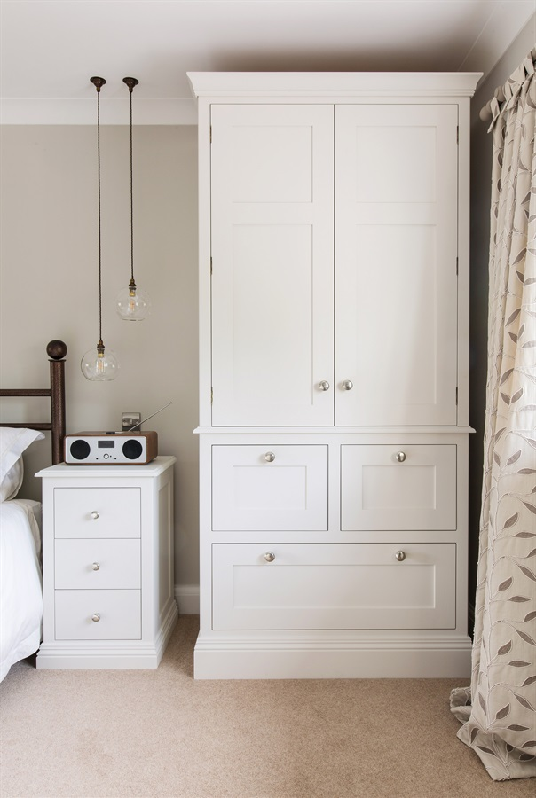 Bespoke Bedroom Furniture - Burlanes handmade freestanding bedroom dresser and bedside tables.