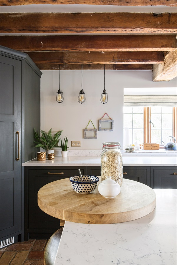 Bespoke Country Style Shaker Kitchen - Burlanes handmade Wellsdown kitchen with white marble worktops, bronze cup handles and pendant lights.