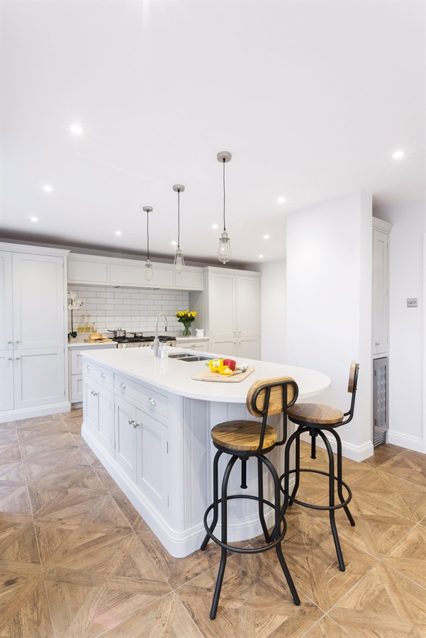 Handmade White Shaker Kitchen - Burlanes bespoke Wellsdown kitchen with larder and central island.