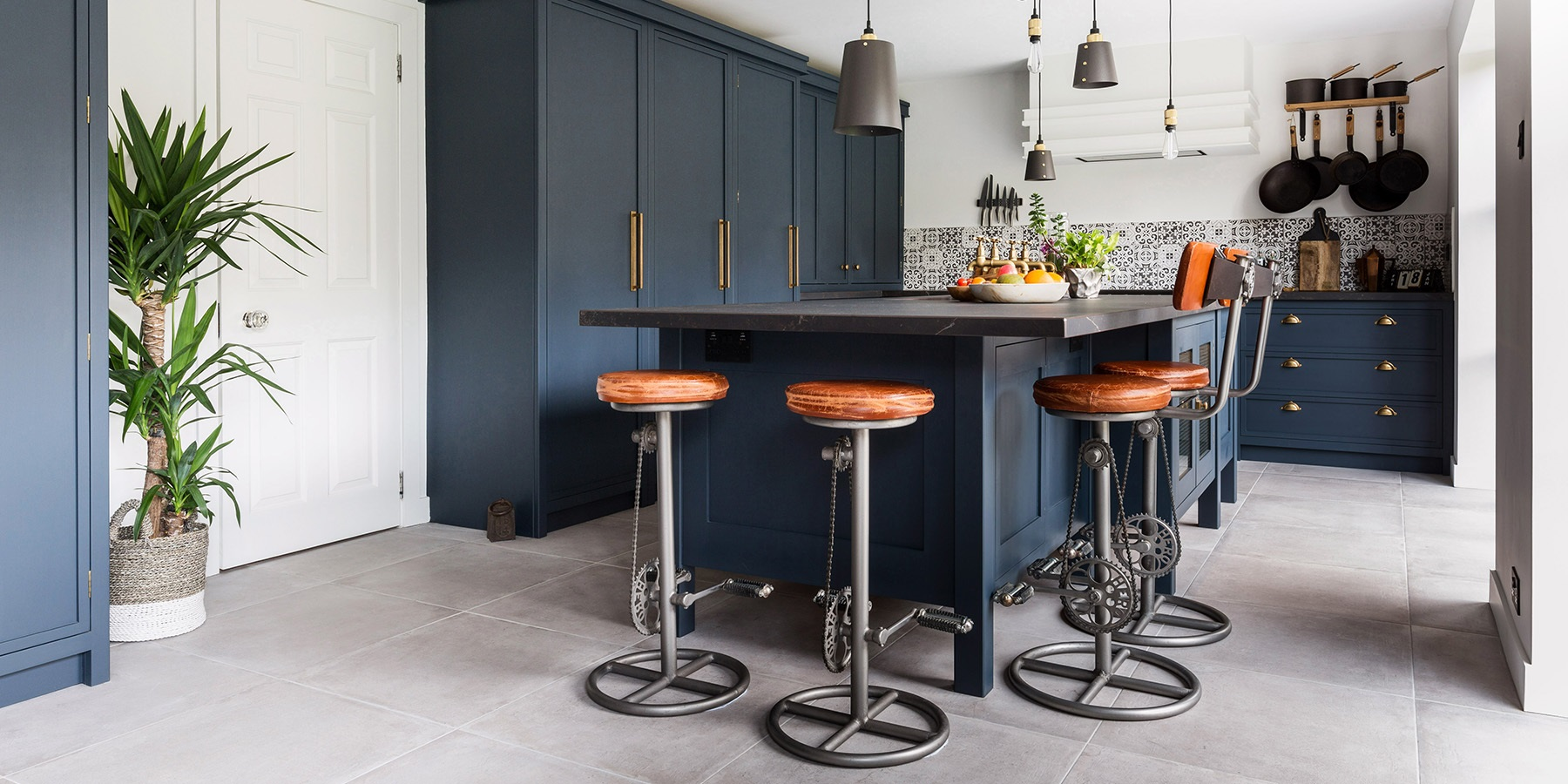 Industrial Style Handmade Kitchen - Burlanes handmade Decolane kitchen with freestanding central kitchen island.